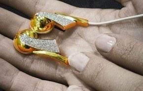 Auriculares de lujo con diamantes