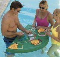 SkyMall Monday. Tablero de BlackJack para la piscina