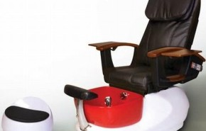 Red pedicure Spa Chair. Una silla de lujo