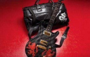 Guitarra edicion limitada swarovski 2010