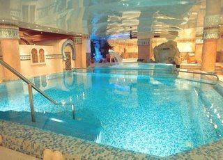 Balnearios en madrid for Hoteles de lujo en espana ofertas