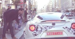 Las calles de Madrid revolucionadas por un coche de lujo