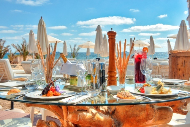 restaurante usahia beach club