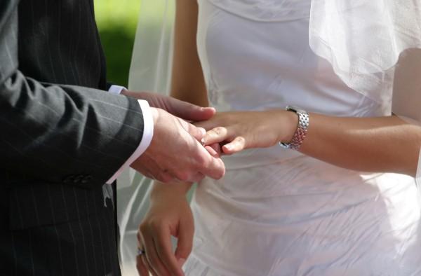 Qué poner en tu anillo de boda. Recomendaciones